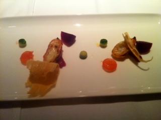 Amuse-Gueule: Buchenrinde mit gratinierter Zimtkartoffel