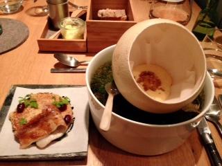 Erster Gang: Armer Ritter - Lackierter Schweinebauch, Eigelb 62°, Braune Butter, Toast