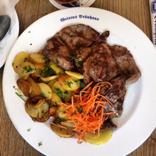 Kalbsherz, Bratkartoffeln und Kohlrabigemüse