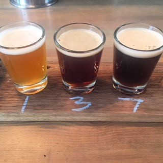 Kaschk: von links, Lenny's & Bonanza Huilacoffee Cream Ale 4,5%, Brlo Porter 7%, Lenny's Artisianak Ales Smoked IPA 6,5%